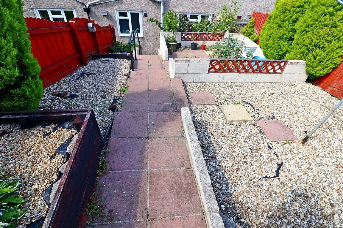 2 bed flat for sale in Heol Illtyd 20