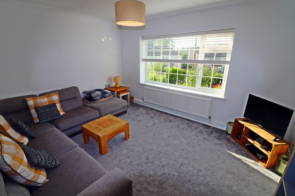 2 bed flat for sale in Heol Illtyd 3