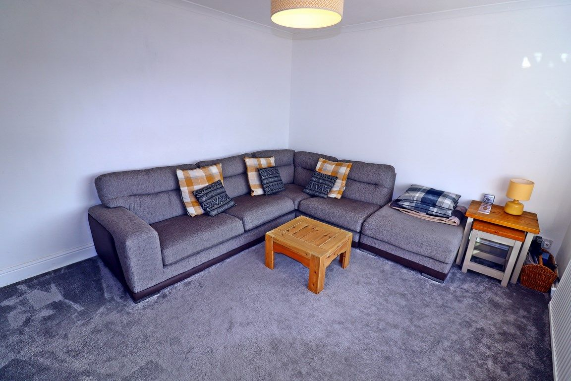 2 bed flat for sale in Heol Illtyd 6