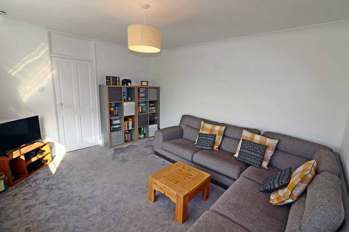 2 bed flat for sale in Heol Illtyd 7
