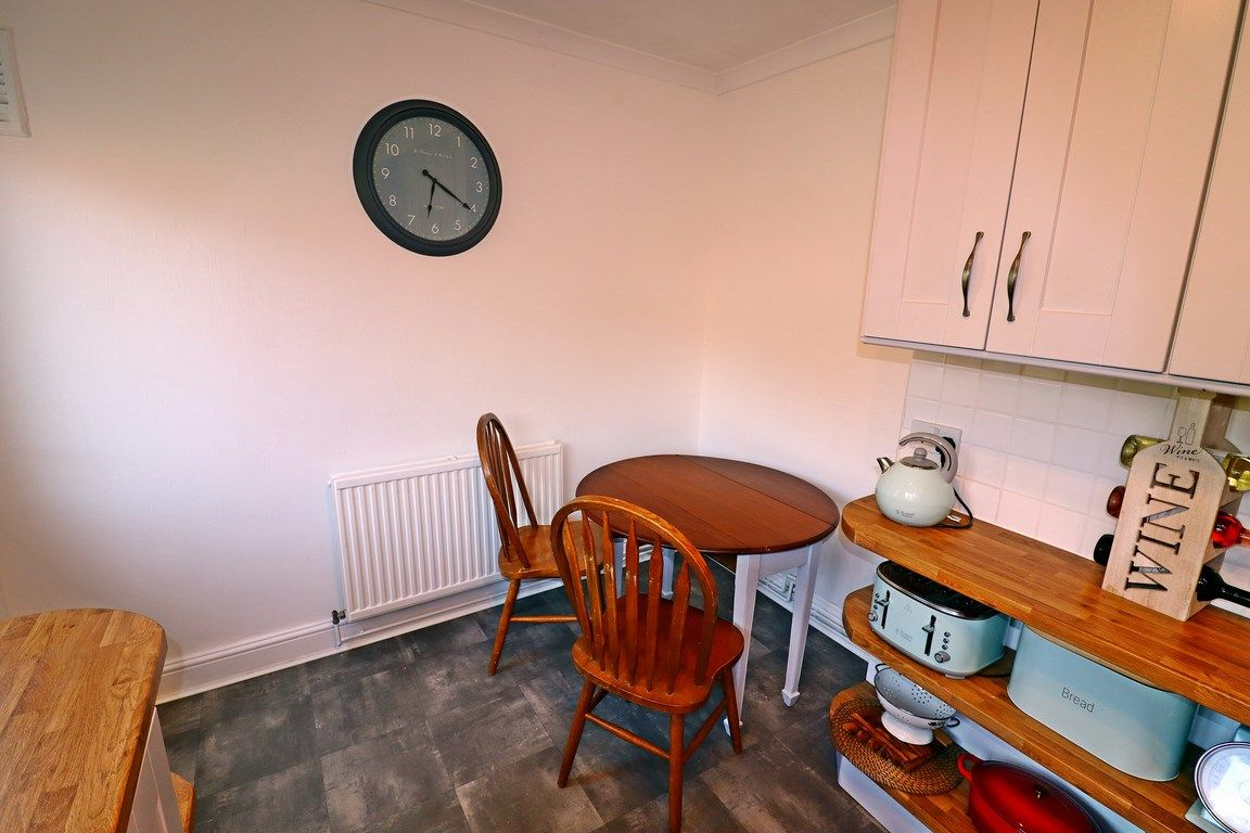 2 bed flat for sale in Heol Illtyd  - Property Image 9