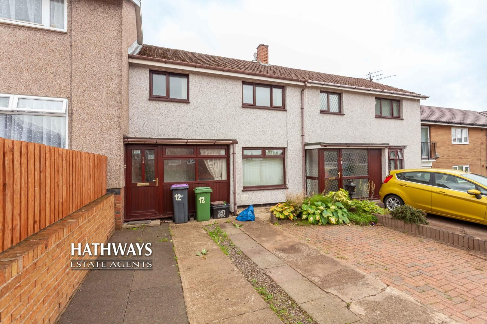 3 bed house for sale in Pembroke Place, NP44