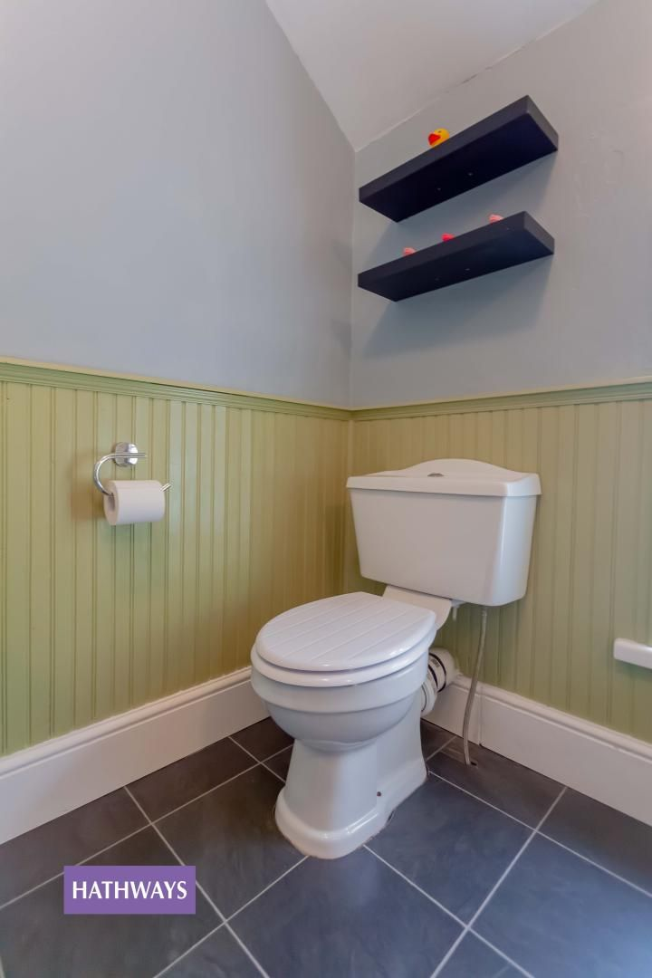 3 bed house for sale in Broad Street 34