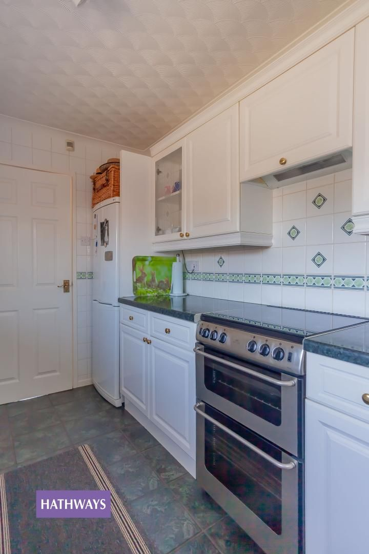 2 bed bungalow for sale in Pant Yr Heol Close 31