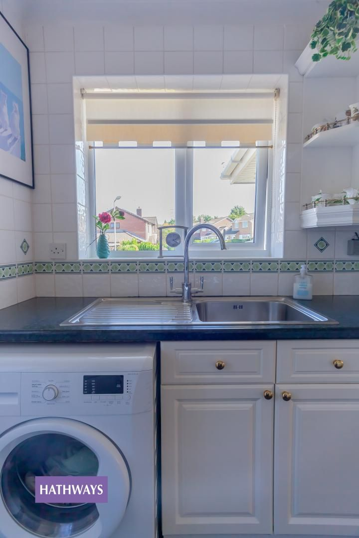 2 bed bungalow for sale in Pant Yr Heol Close 33