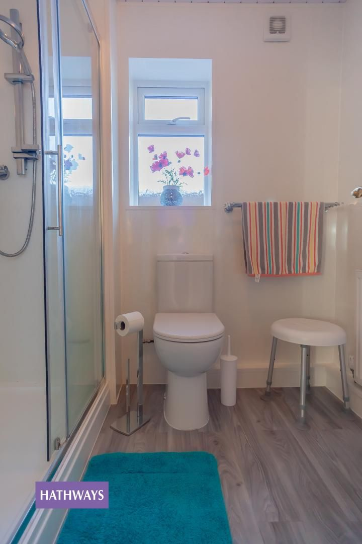2 bed bungalow for sale in Pant Yr Heol Close 38