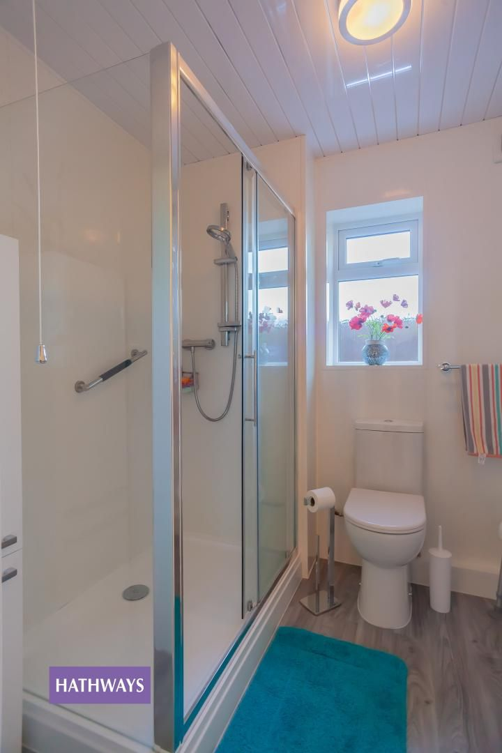 2 bed bungalow for sale in Pant Yr Heol Close 40