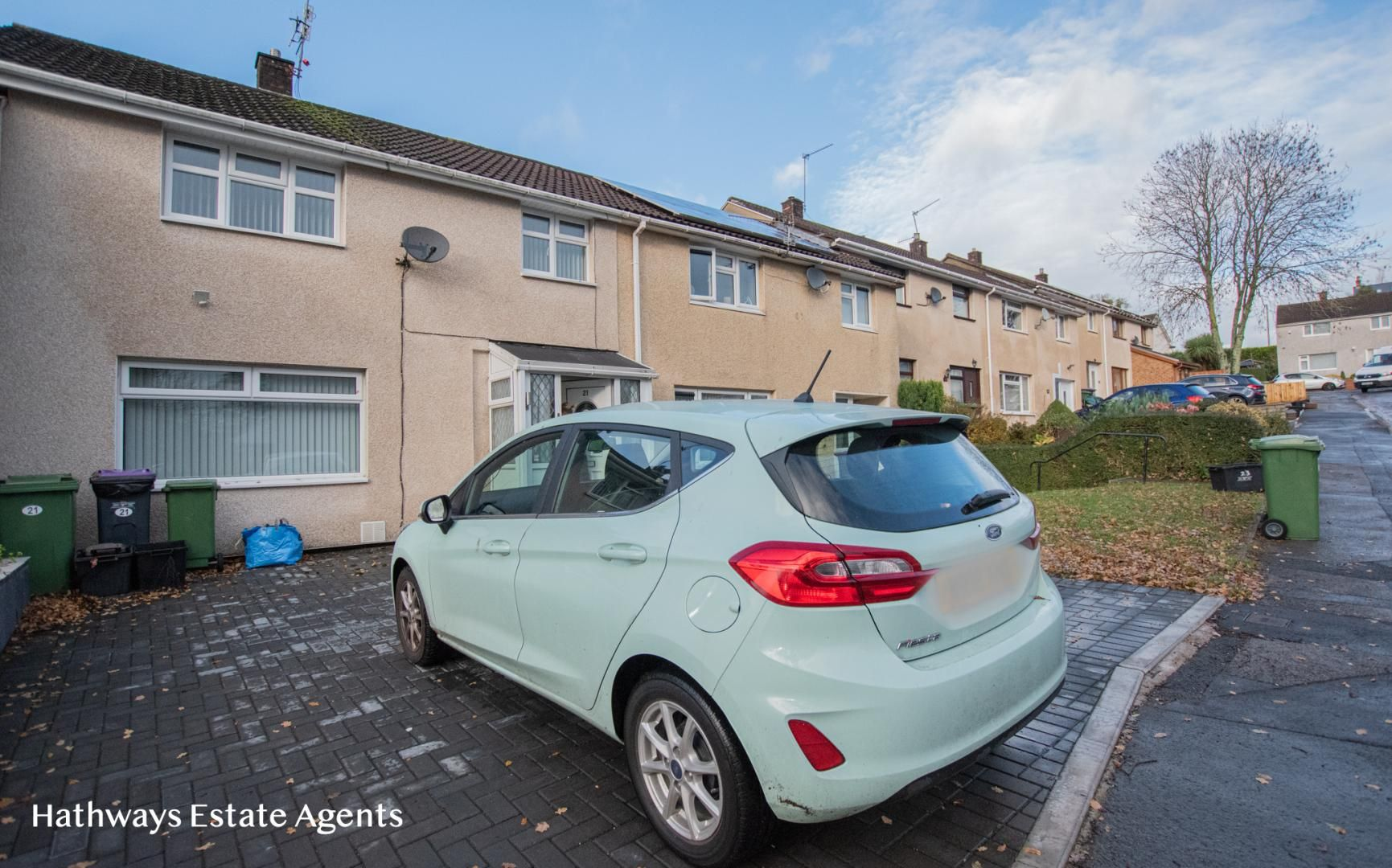 3 bed house to rent in Whitehouse Road, NP44