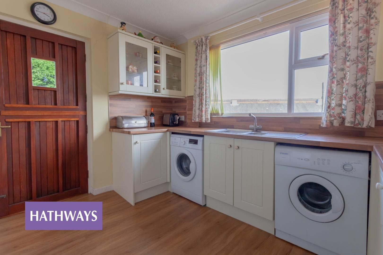 4 bed bungalow for sale in St. Dials Road  - Property Image 17