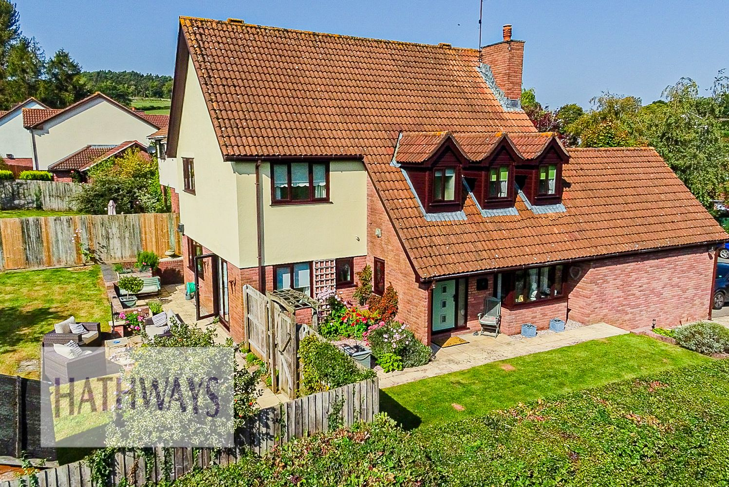 4 bed house for sale in The Chase Ton Road 1