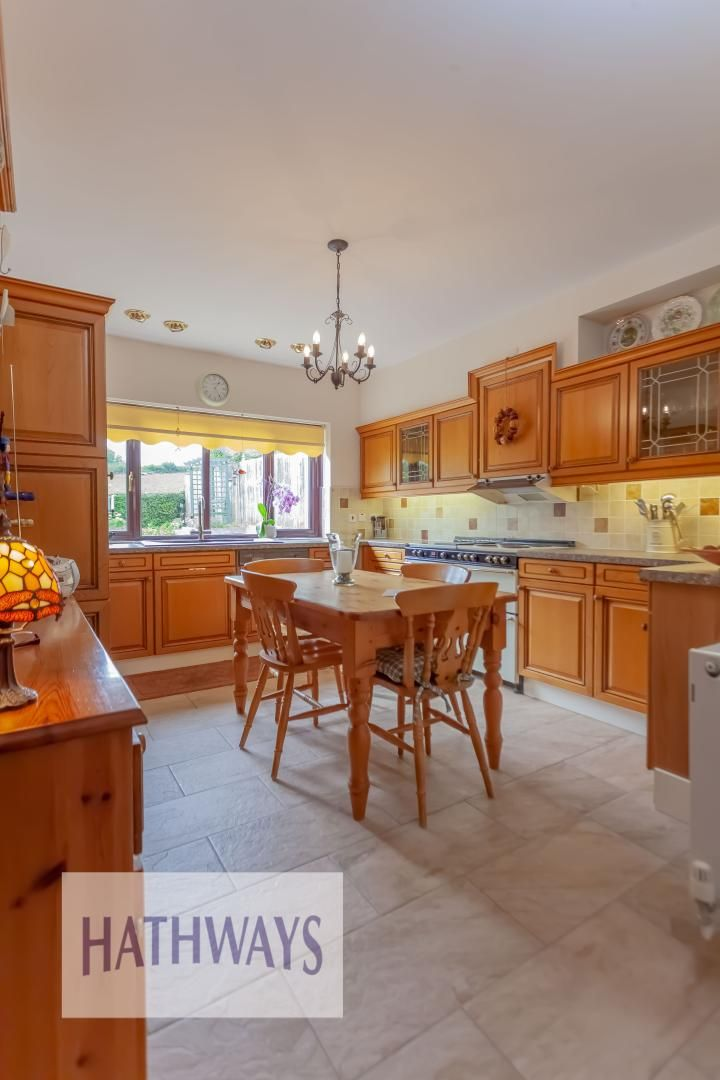 4 bed house for sale in The Chase Ton Road  - Property Image 16