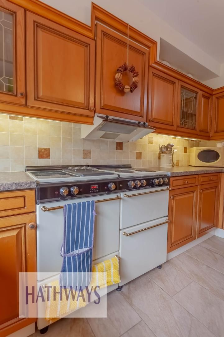 4 bed house for sale in The Chase Ton Road 21