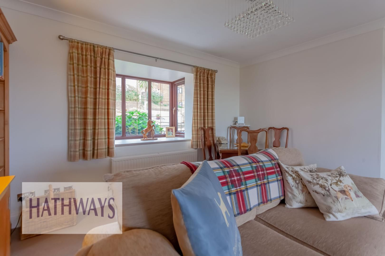 5 bed house for sale in Priory Close 13
