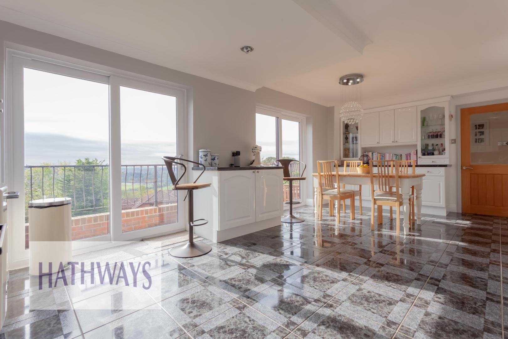 5 bed house for sale in Priory Close 21
