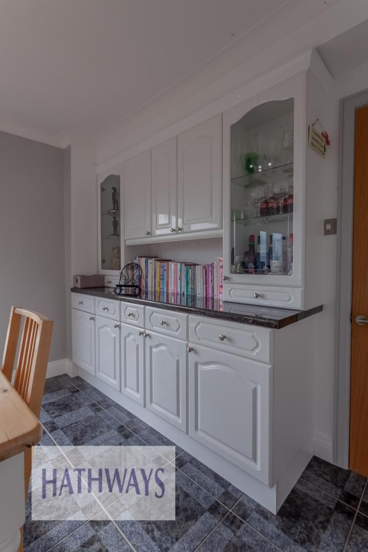5 bed house for sale in Priory Close 23