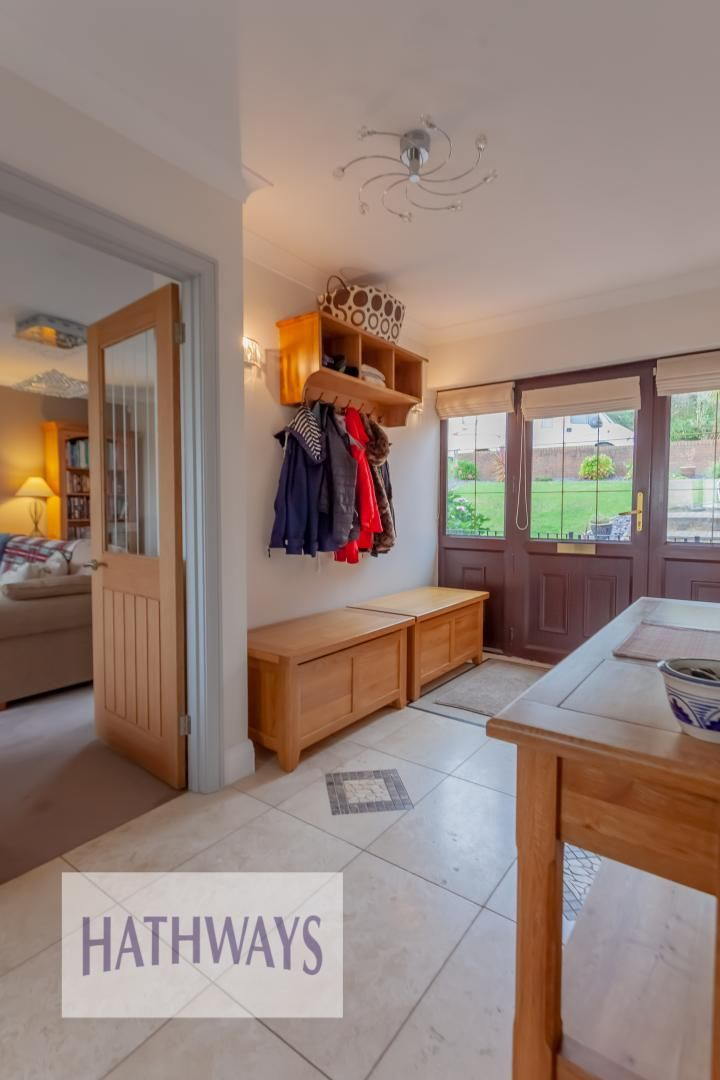 5 bed house for sale in Priory Close 5