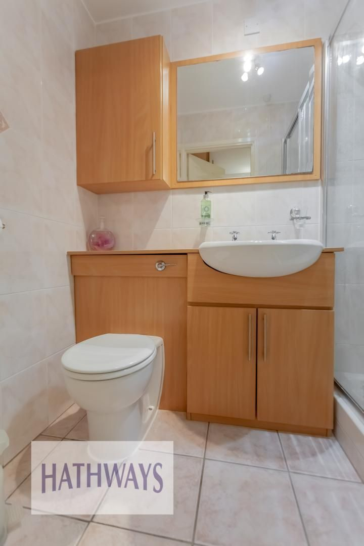 5 bed house for sale in Priory Close 44