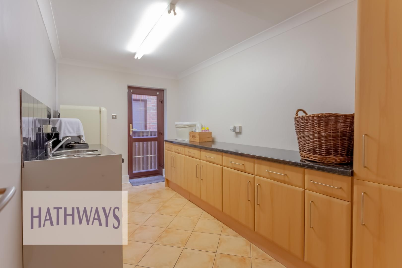 5 bed house for sale in Priory Close 51