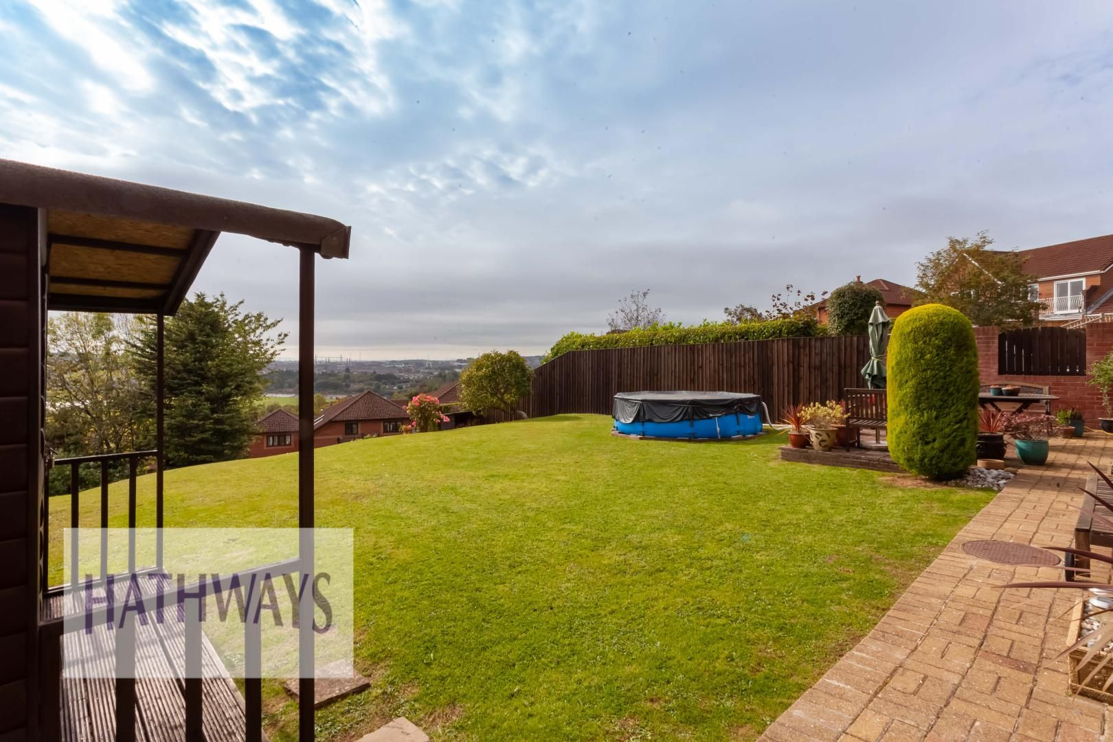 5 bed house for sale in Priory Close 54