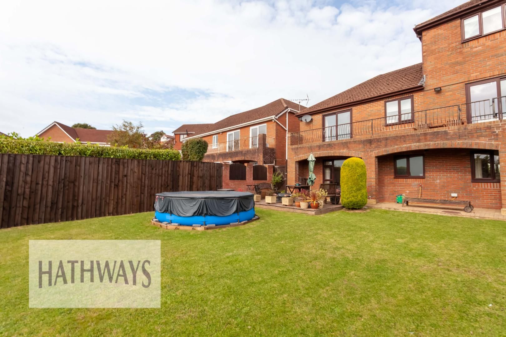 5 bed house for sale in Priory Close 56