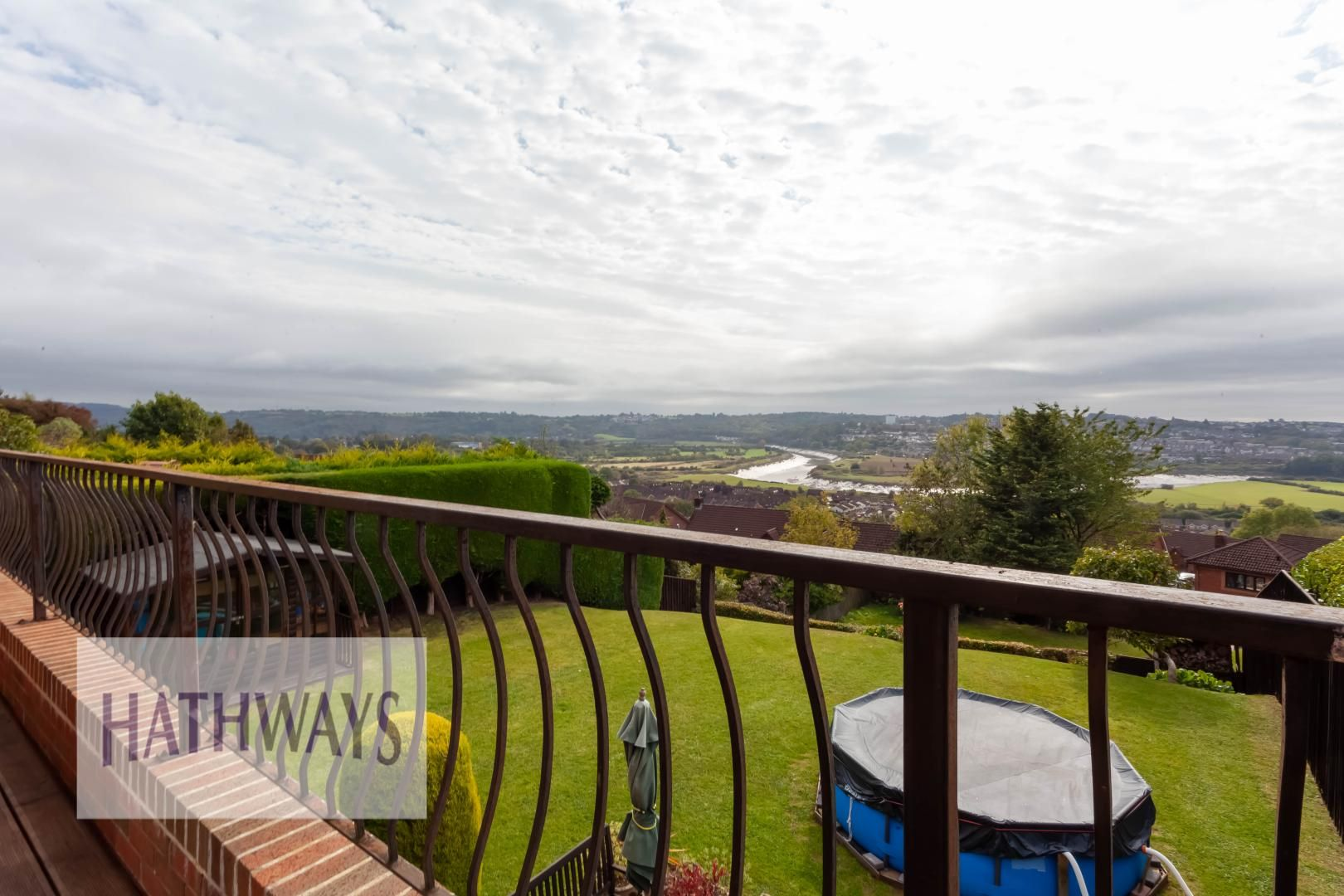 5 bed house for sale in Priory Close 60