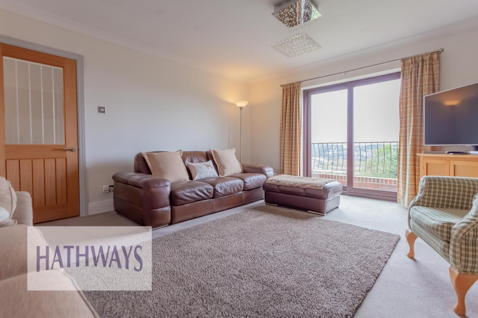 5 bed house for sale in Priory Close 8