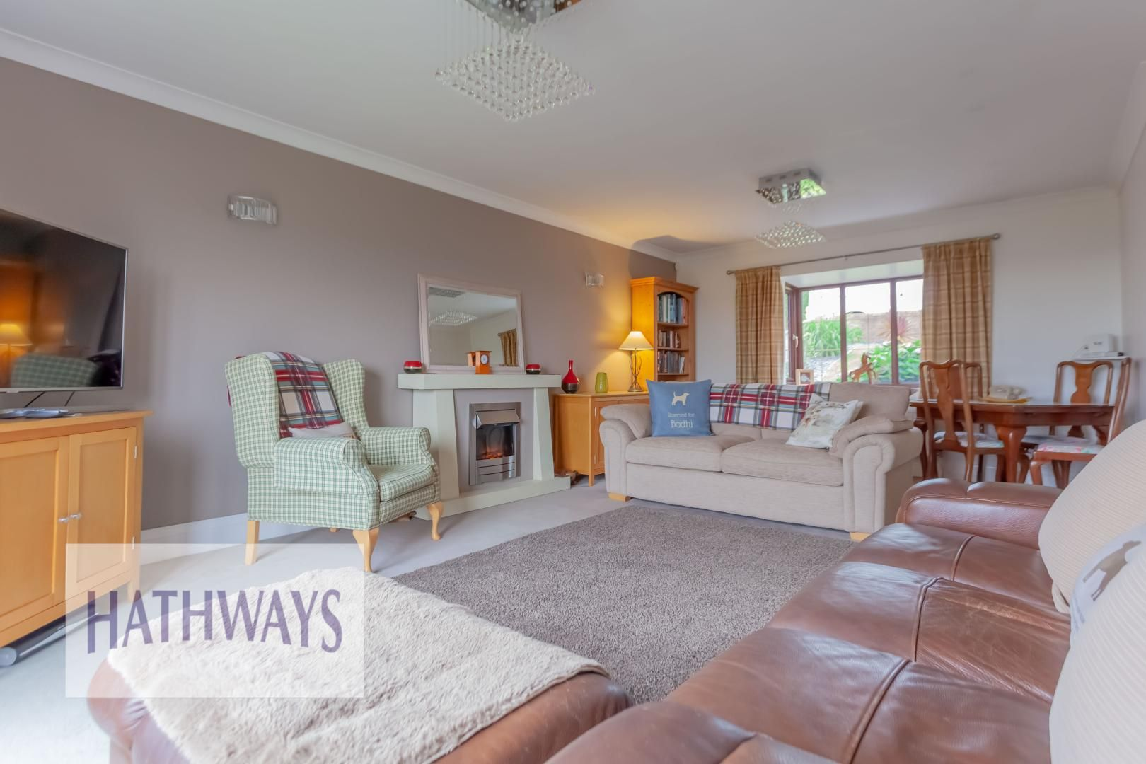 5 bed house for sale in Priory Close 9