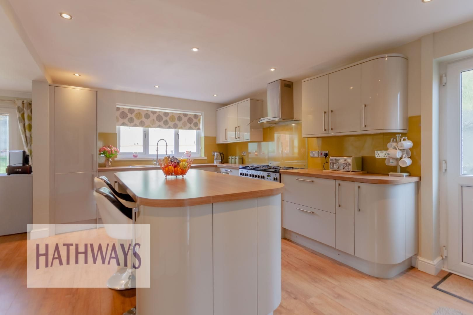 4 bed house for sale in Rosecroft Drive 12