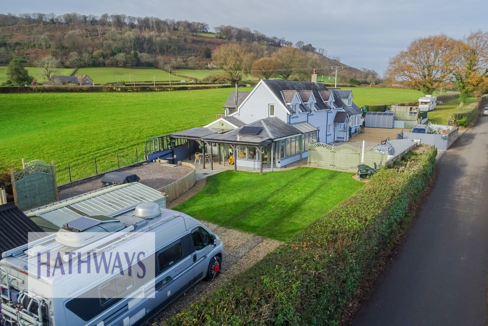 5 bed house for sale in Old Abergavenny Road 1
