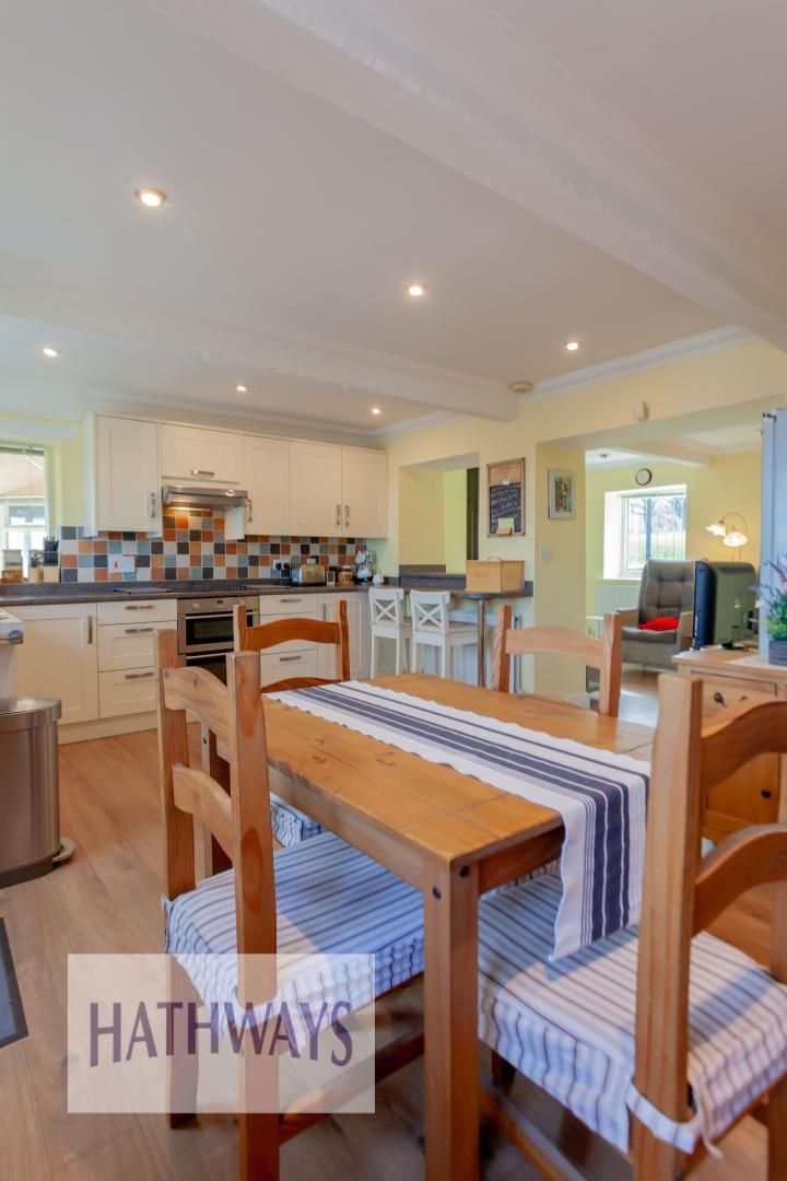 5 bed house for sale in Old Abergavenny Road 12