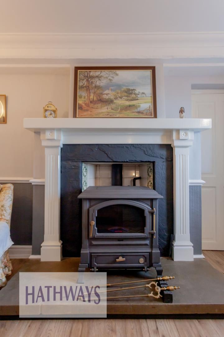 5 bed house for sale in Old Abergavenny Road 3