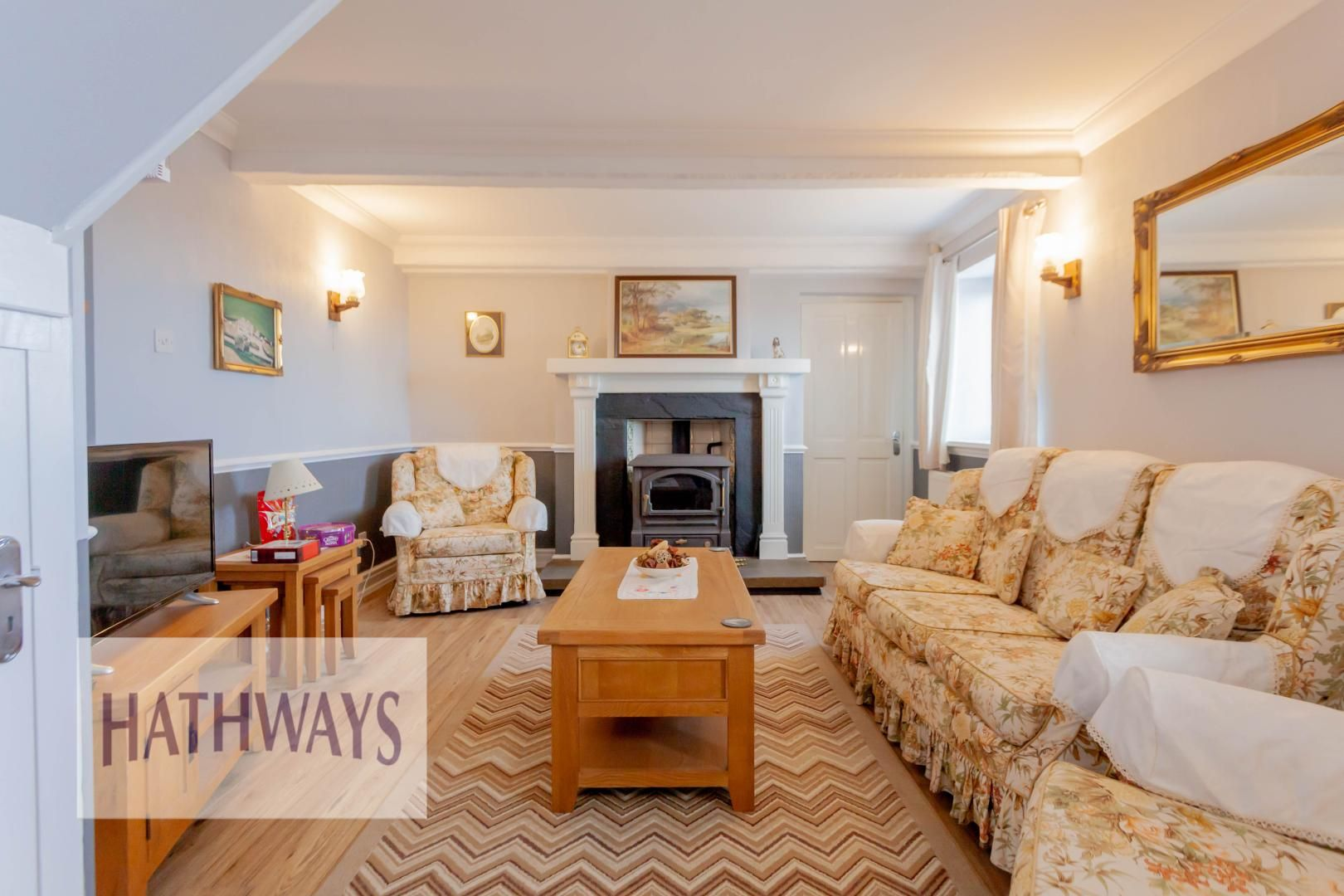 5 bed house for sale in Old Abergavenny Road 6