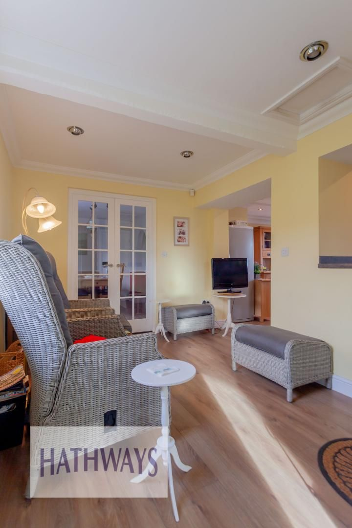 5 bed house for sale in Old Abergavenny Road 8
