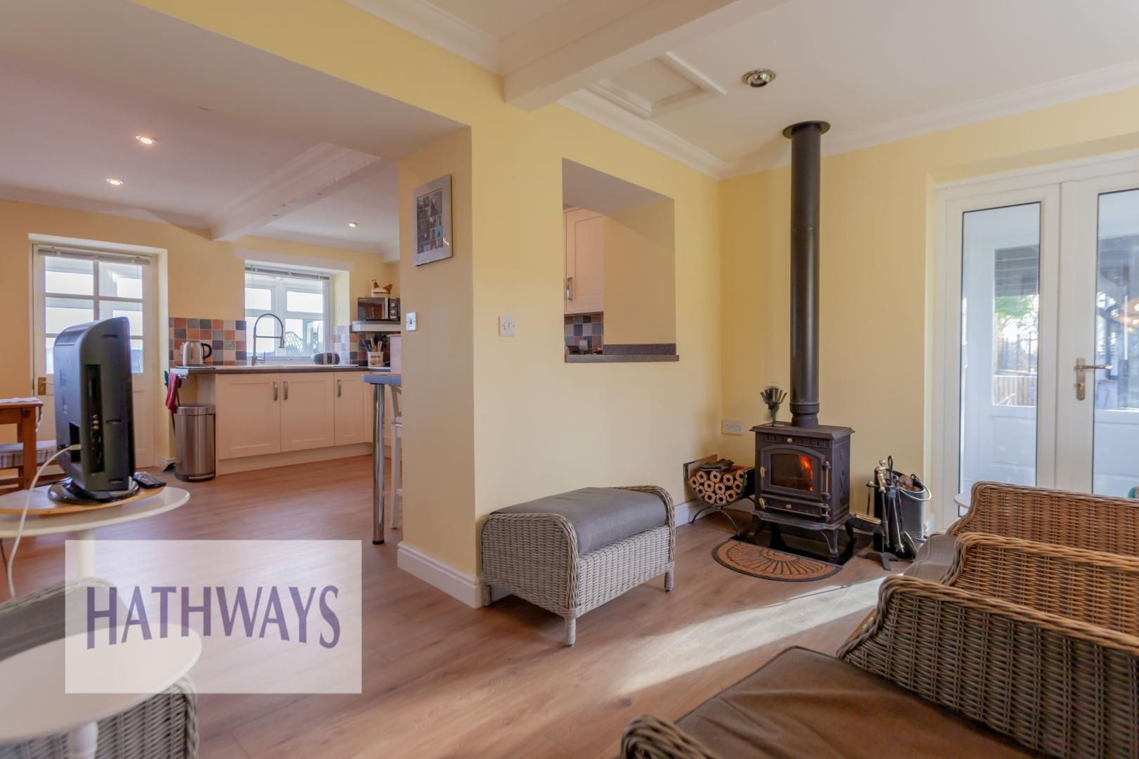 5 bed house for sale in Old Abergavenny Road 9