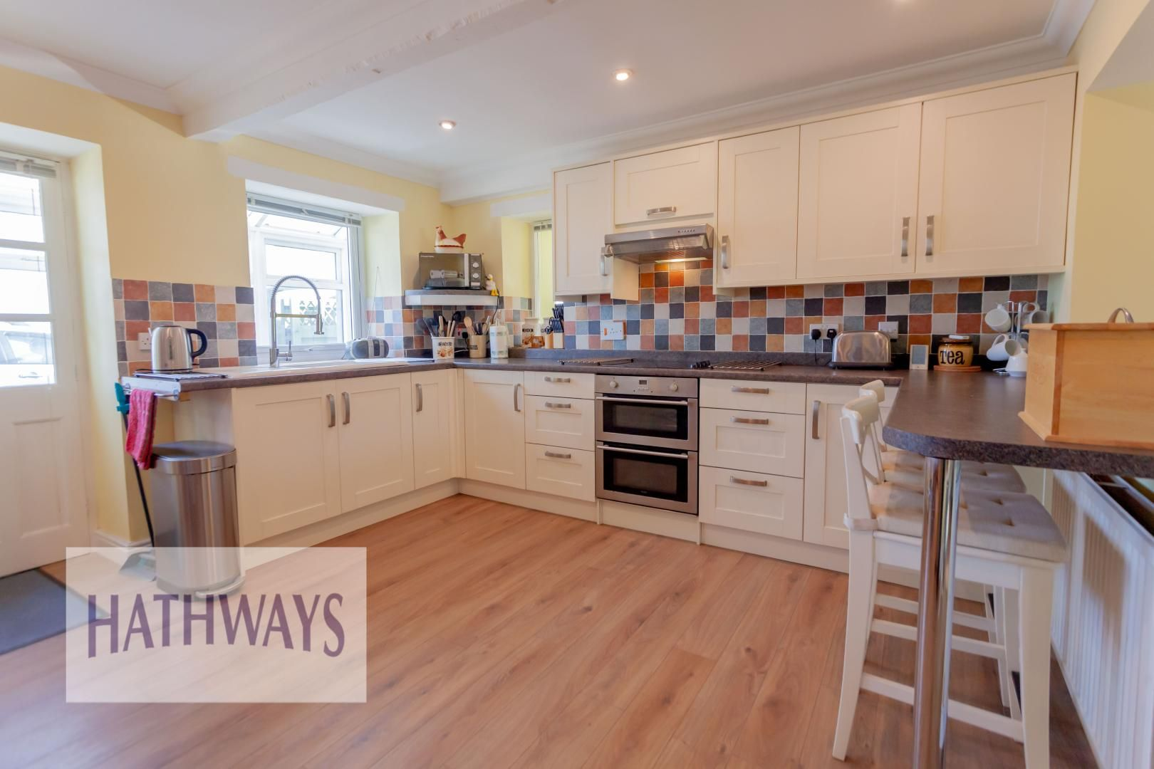 5 bed house for sale in Old Abergavenny Road 10
