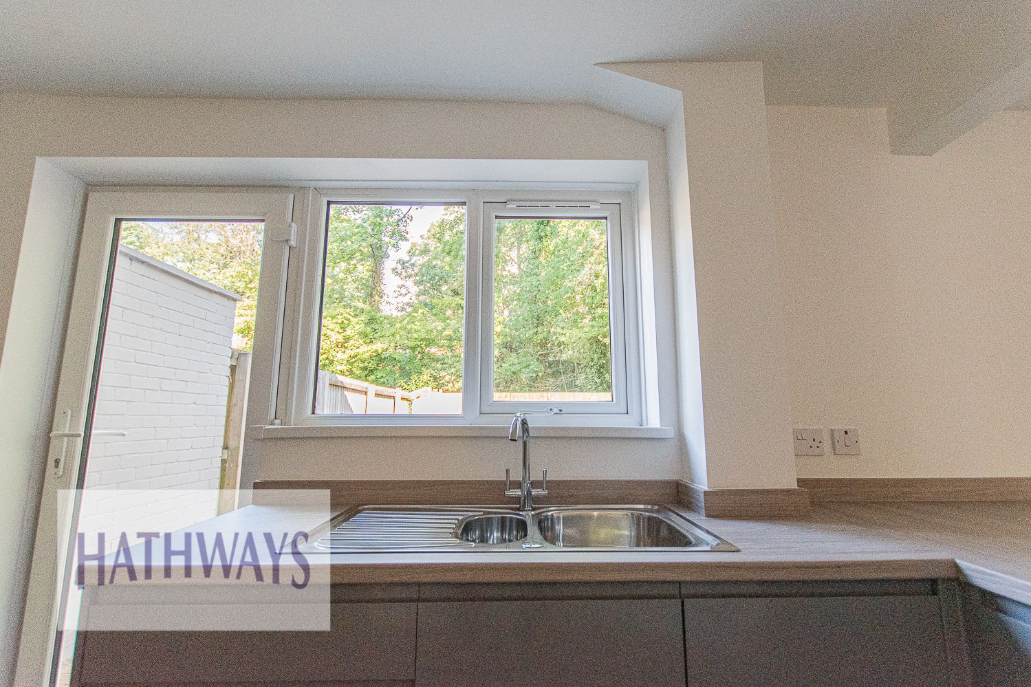 3 bed house for sale in Beaumaris Drive 24