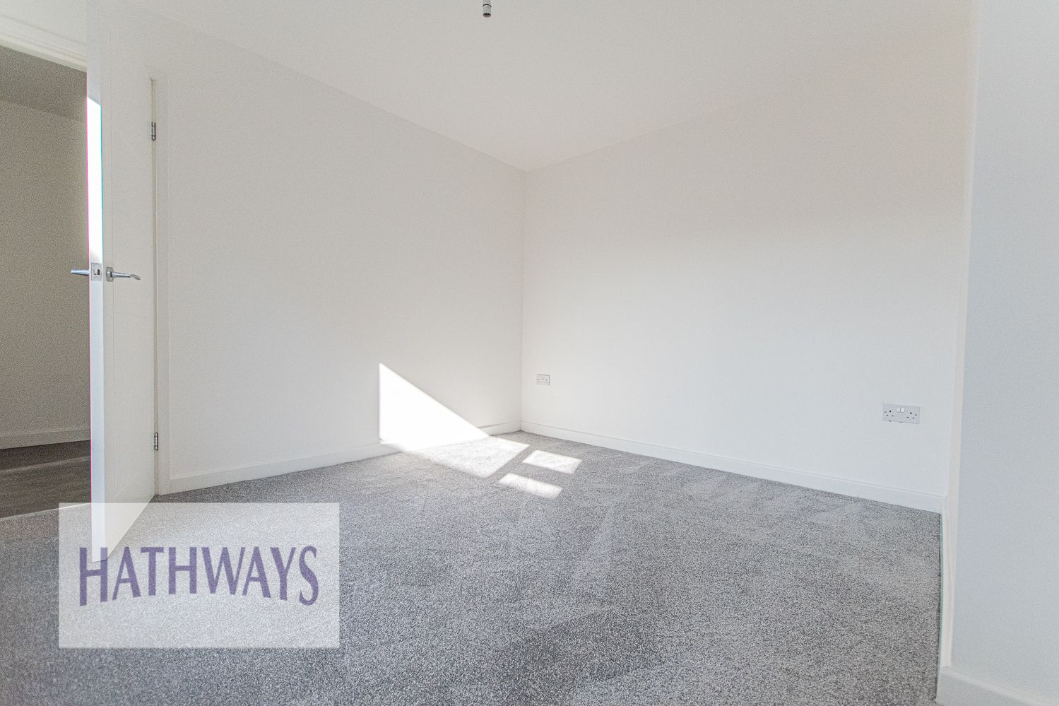 3 bed house for sale in Beaumaris Drive 6