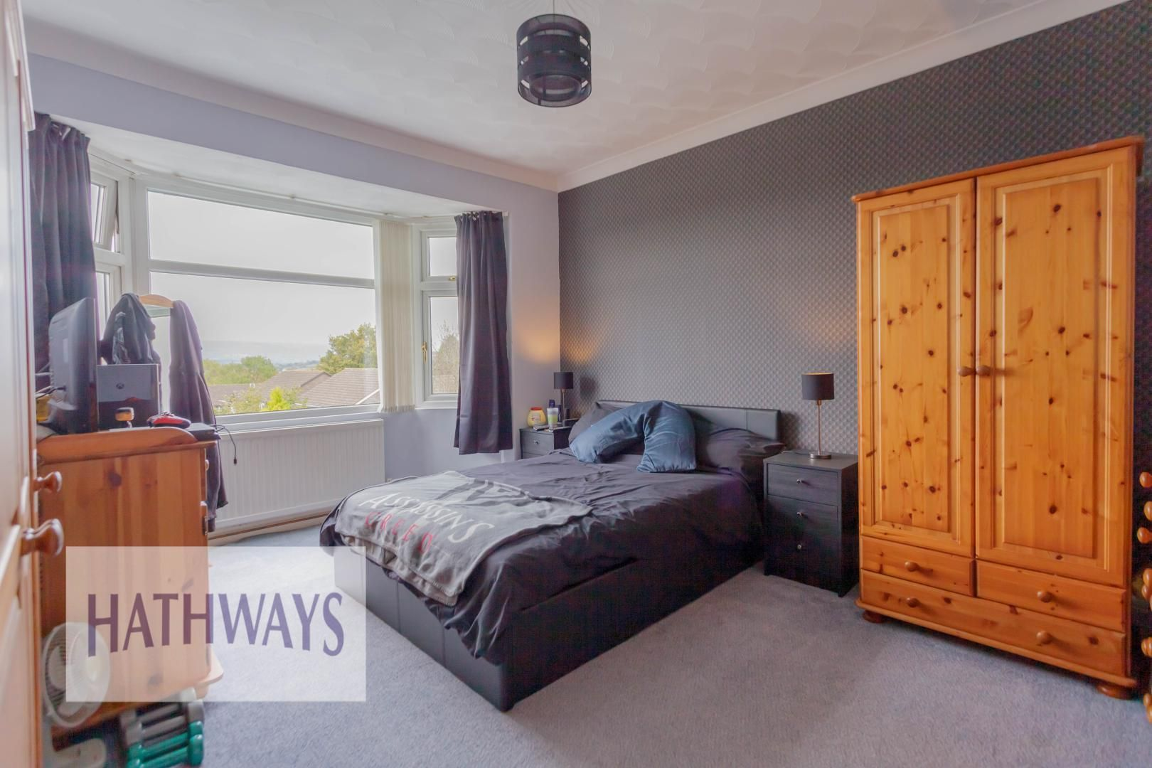 3 bed house for sale in Firbank Avenue 40