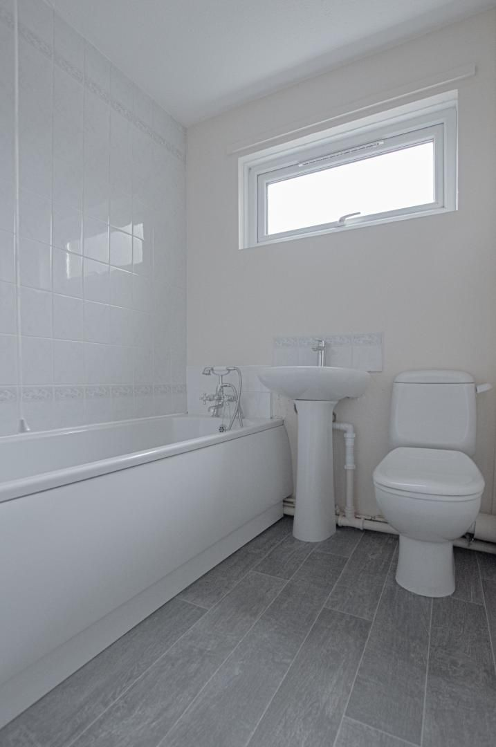 2 bed flat to rent in Llangattock Court  - Property Image 12