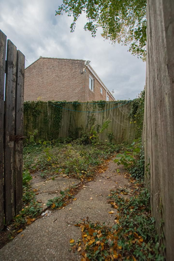 2 bed flat to rent in Llangattock Court  - Property Image 18