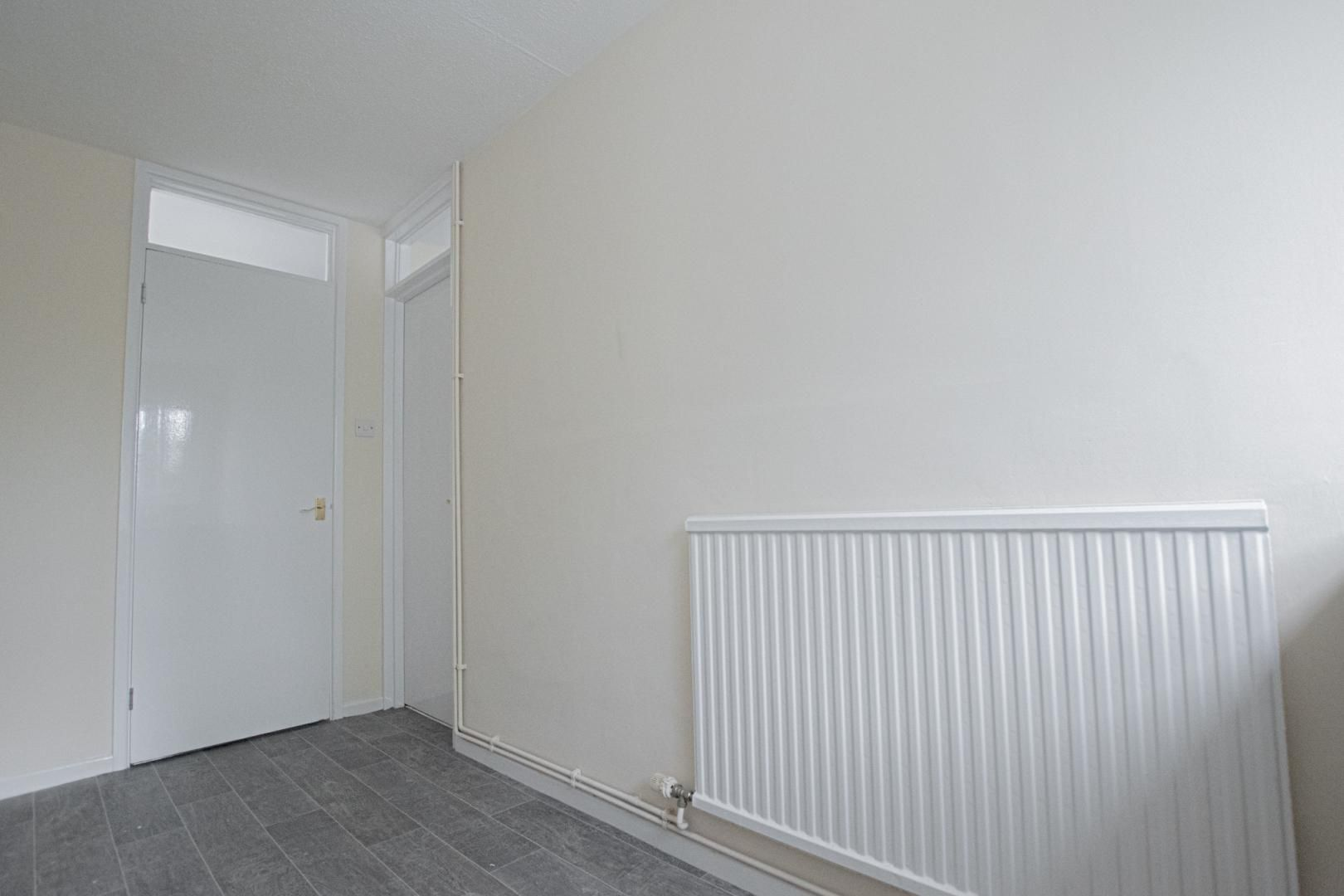 2 bed flat to rent in Llangattock Court 7
