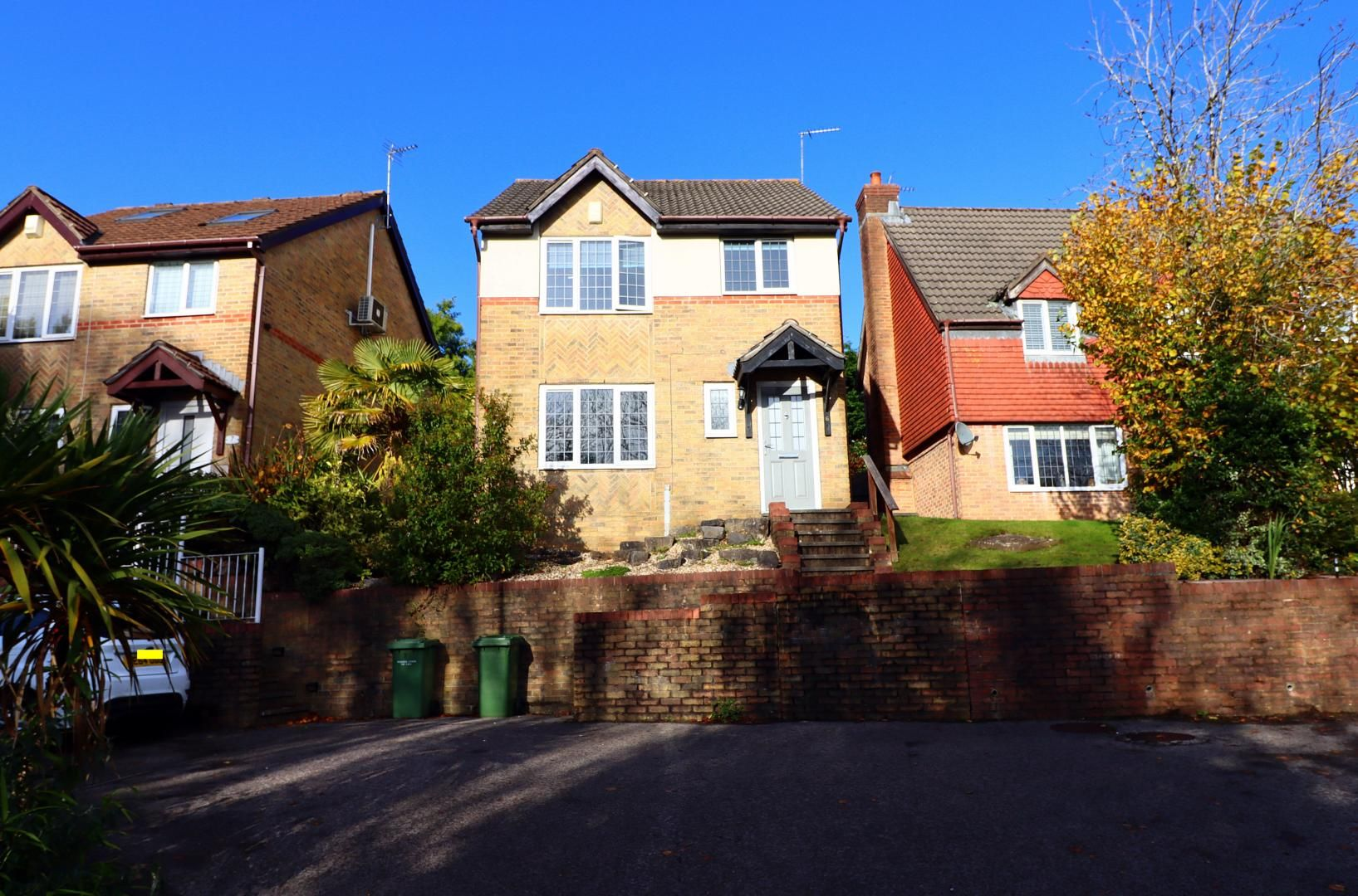 3 bed house for sale in Heol Isaf Hendy, CF72