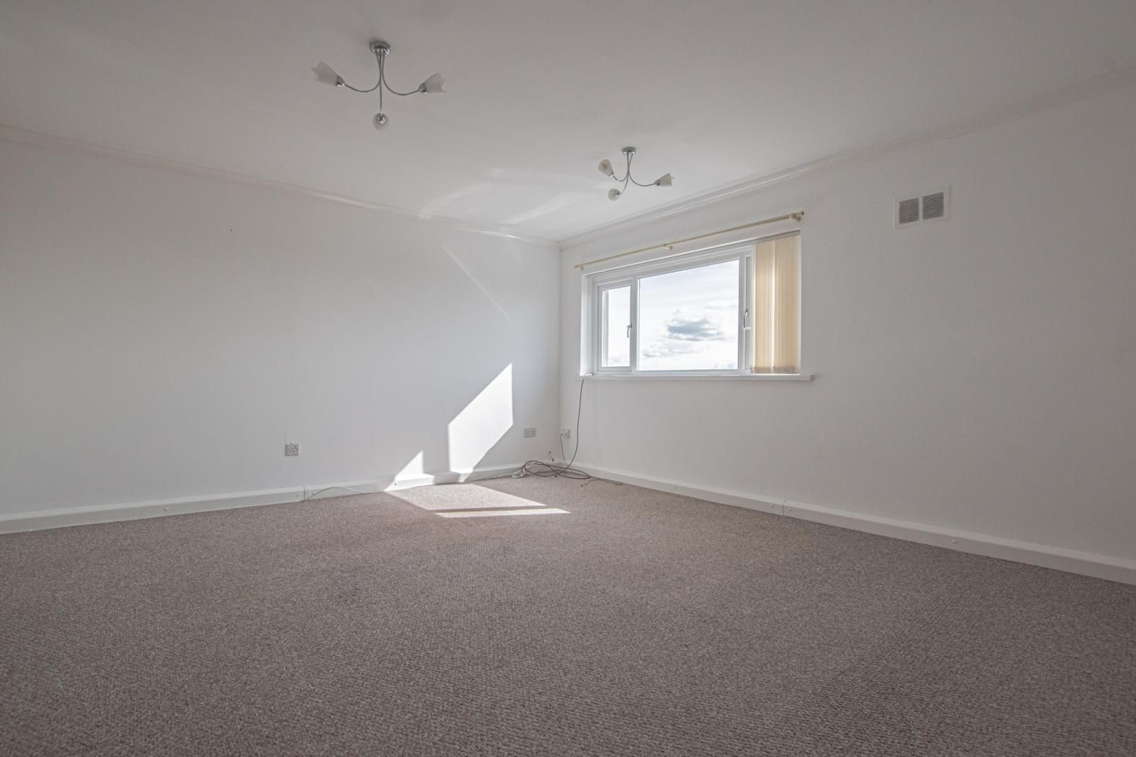 2 bed flat to rent in Kemys Fawr Close  - Property Image 2
