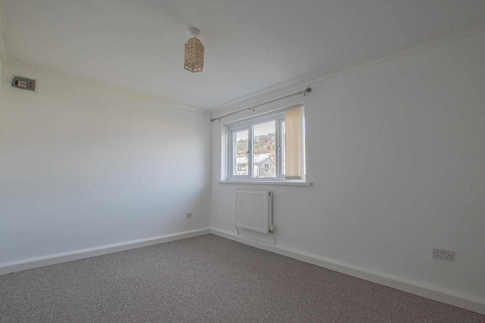 2 bed flat to rent in Kemys Fawr Close 13
