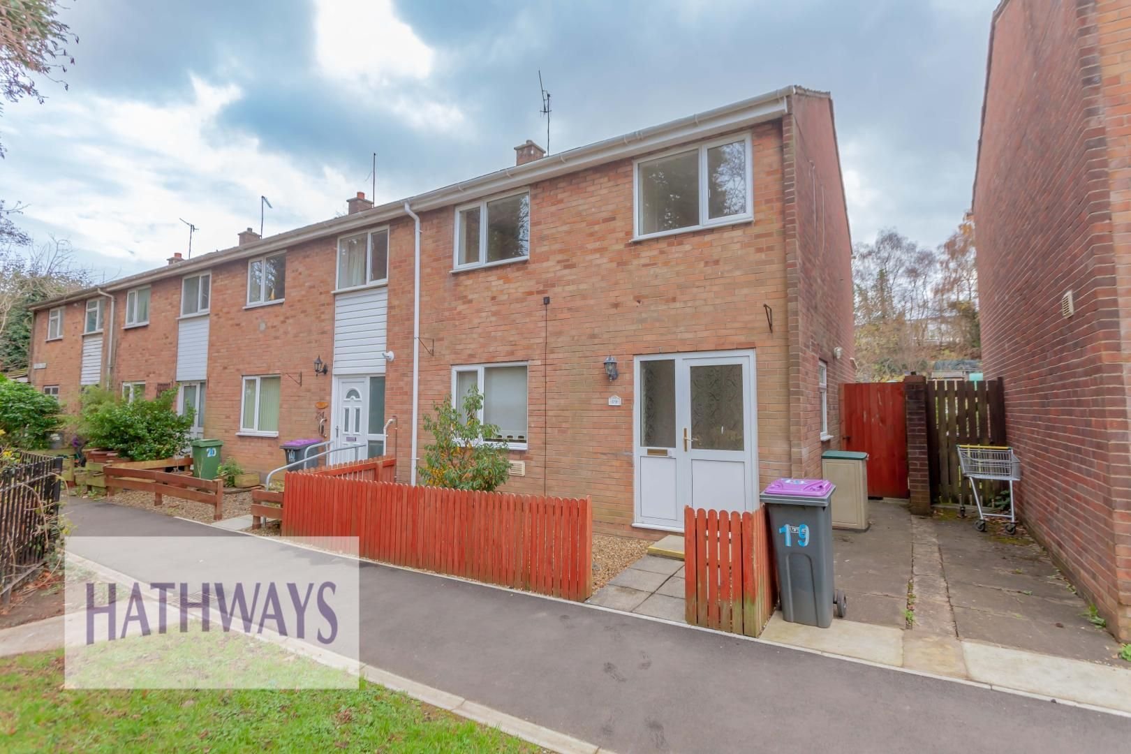 3 bed house for sale in Trellech Close, NP44
