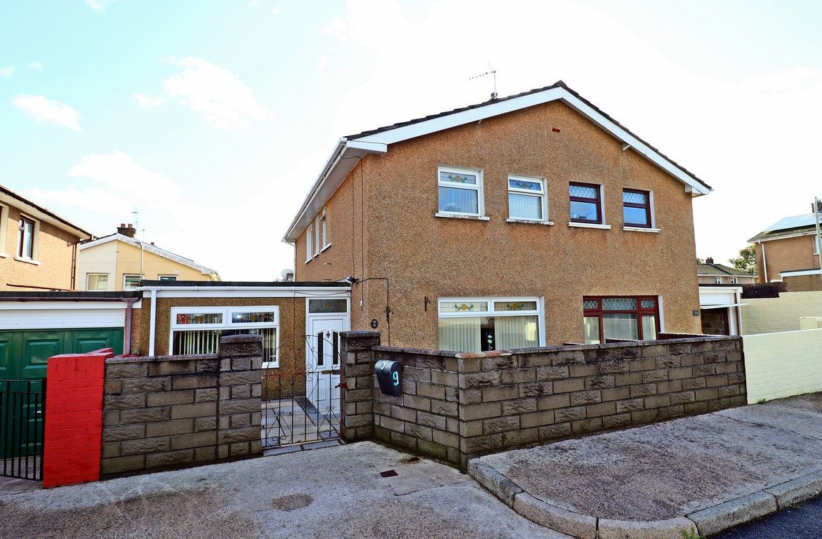 3 bed house for sale in Heol Fach, CF35