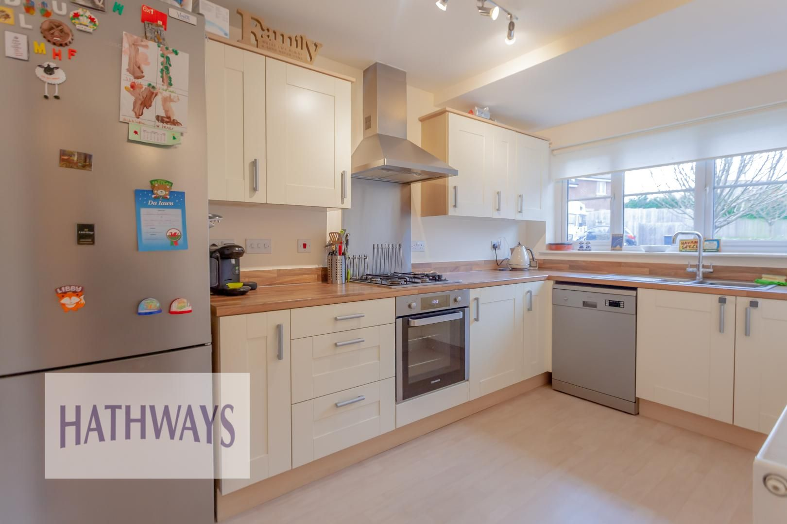 4 bed house for sale in Heol Y Groes 14