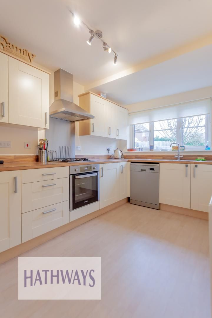 4 bed house for sale in Heol Y Groes 15