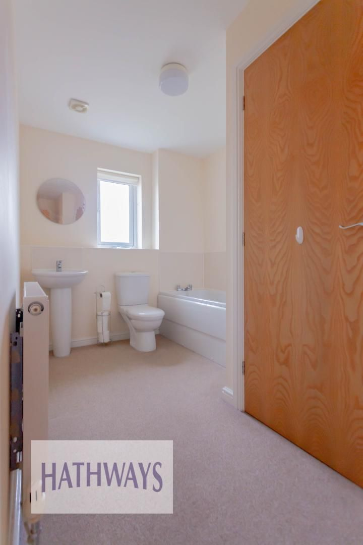 4 bed house for sale in Heol Y Groes 48