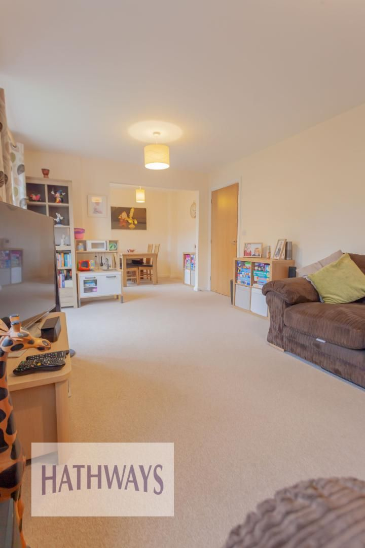 4 bed house for sale in Heol Y Groes 6
